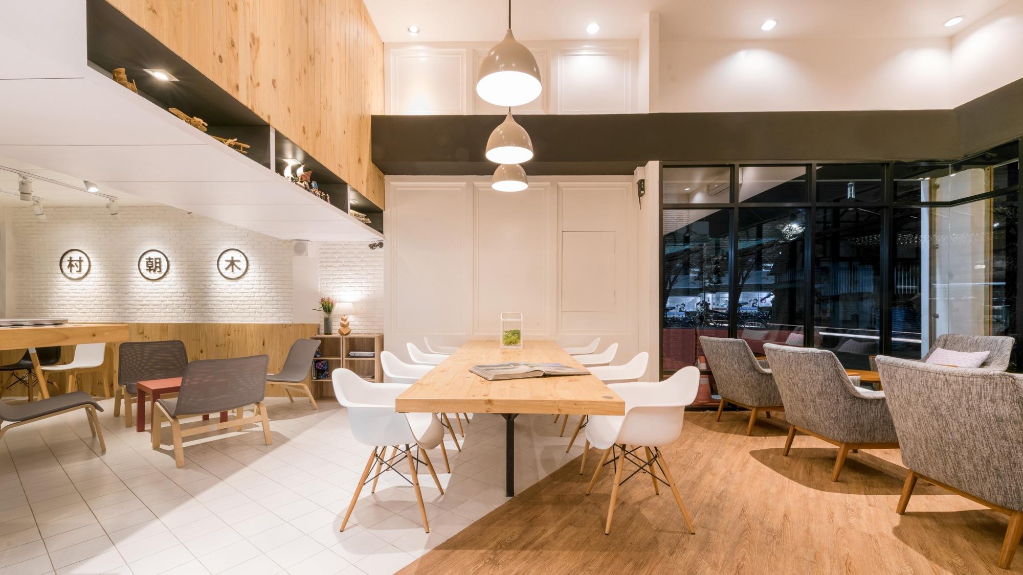 Café Murasaki / FATTSTUDIO | ArchDaily