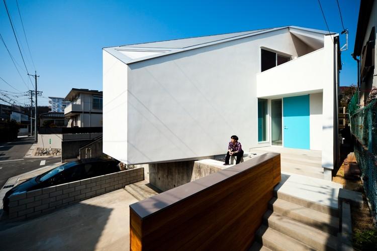House in Nagoya / Atelier Tekuto, © Toshihiro Sobajima
