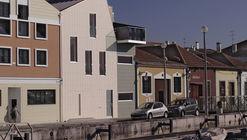 Casa en Falcoeiras / RVdM Arquitectos