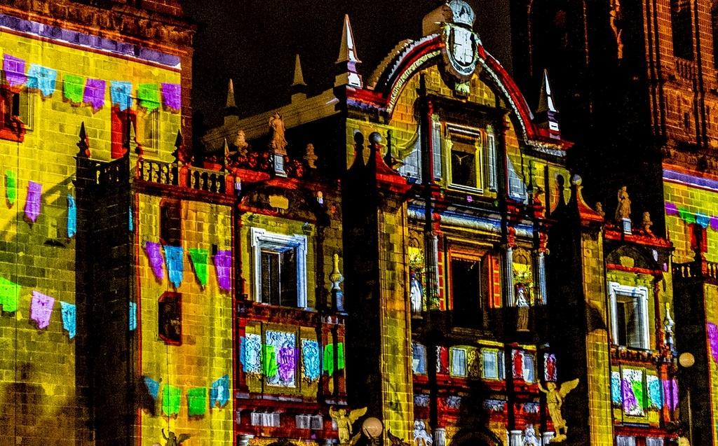 Video mapping en la catedral de Puebla
