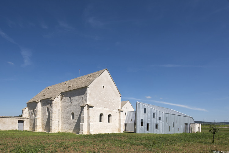 Former Hospital of Meursault's Conversion / JUNG Architectures, © Martin Argyroglo