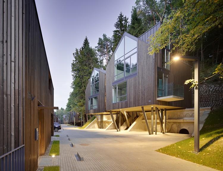 Housing Development Rasu Namai / Paleko Arch Studija + PLAZMA, © Norbert Tukaj