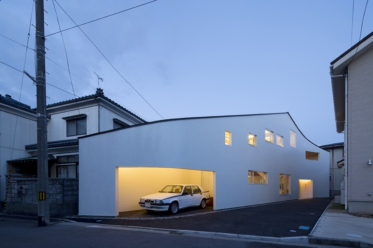 Roadside House / naf Architect & Design, © Toshiyuki YANO