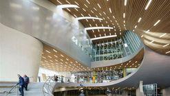 Diseñada por UNStudio, la Estación Central de Arnhem abre sus puertas