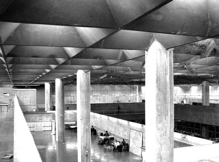 Ranking 2015 de Faculdades de Arquitetura Brasileiras, FAU USP foi eleita a melhor faculdade de arquitetura e urbanismo do país pelo ranking 2015 da Folha de S. Paulo. Image ©  Gabriel de Andrade Fernandes, via Flickr. CC