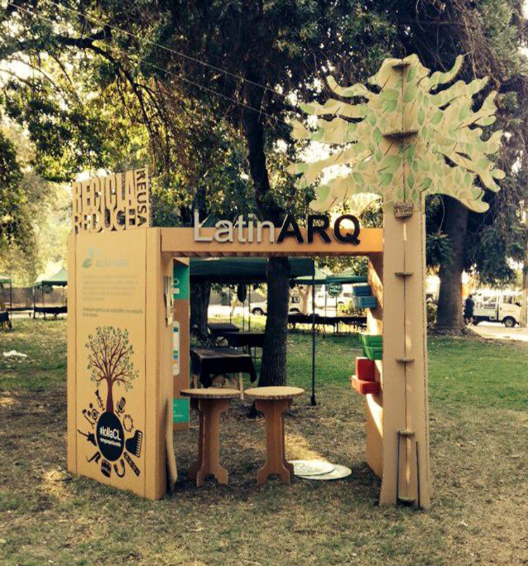 decoracion de stand con material reciclable
