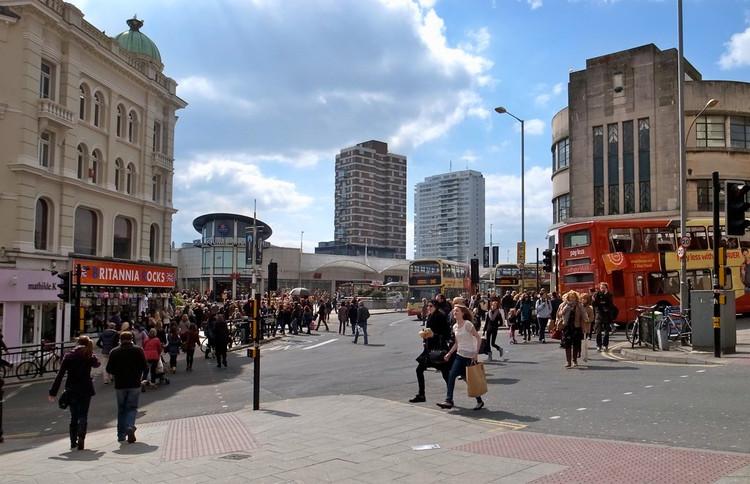 Planejamento urbano e mobilidade sustentável: uma questão de tempo? , Churchill Square, Brighton, Reino Unido. Image © George Redgrave, via Flickr. CC
