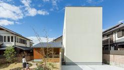 Maibara House / ALTS Design Office