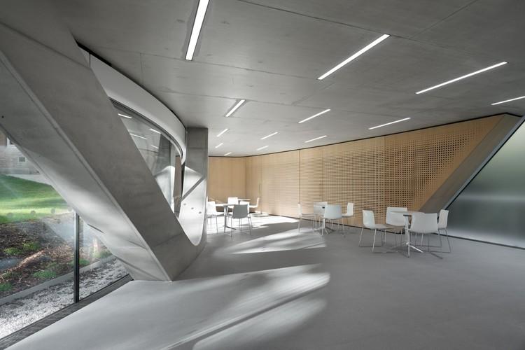 the investcorp building zaha hadid architects archdaily