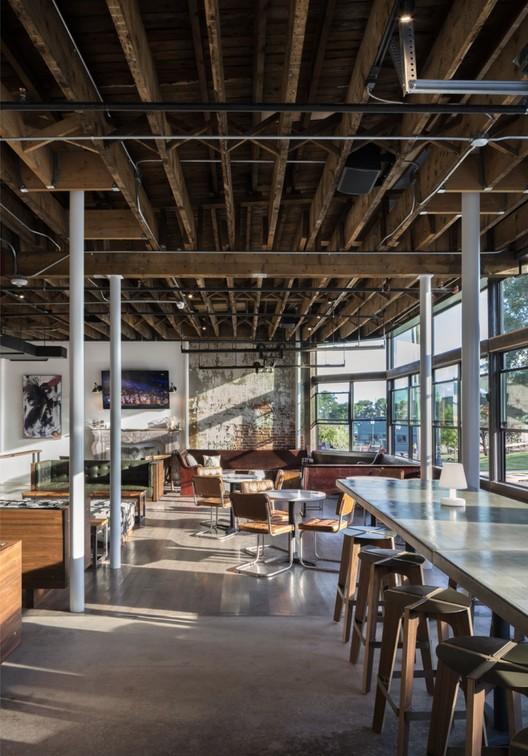 Avanti Comida & Bebida / Meridian 105 Architecture, © Astula – Raul Garcia
