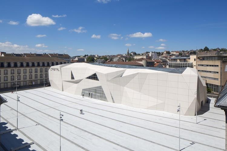 Le Cristal Cinema y la Plaza Michel Crespin / Linéaire A, © Hervé Abbadie