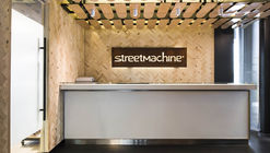 Oficinas Street Machine  / GEA Arquitectos + Anita Puig
