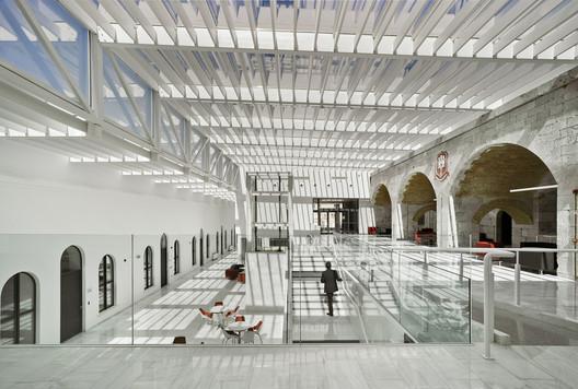 Universidad de Gibraltar / Ayaltointegral