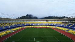 Estadio Municipal Ester Roa Rebolledo / Valle & Cornejo Arquitectos