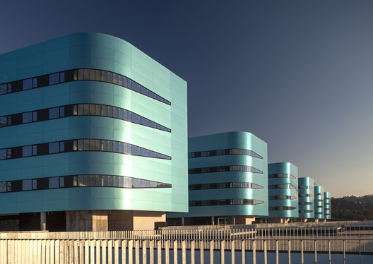 New Álvaro Cunqueiro Hospital / Luis Vidal + Arquitectos