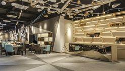 YKC II / PLOTCREATIVE Interior Design