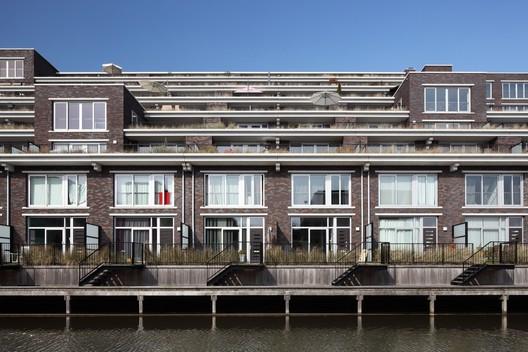 © Bart van Hoek