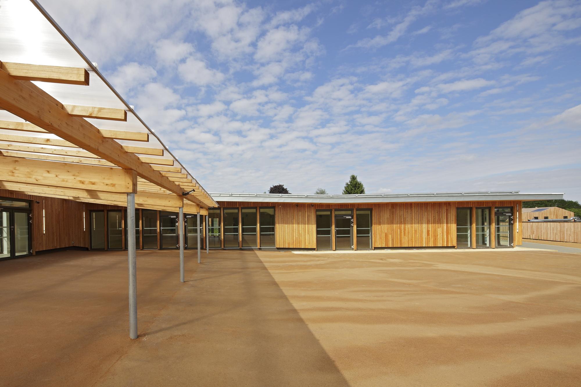 Galeria de ecole des bartelottes la ville du bois for Architecture nomade