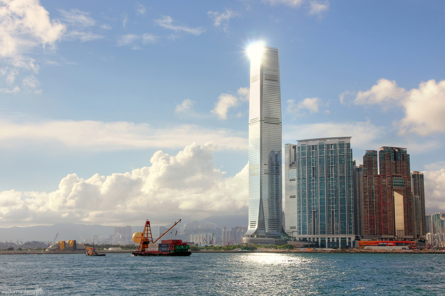 These Are the World's 25 Tallest Buildings,International Commerce Centre. Image © Isaac Torrontera [Flickr] under license CC BY 2.0