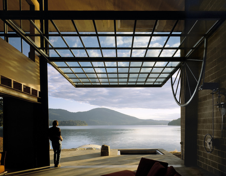 Chicken Point Cabin / Olson Kundig, © Benjamin Benschneider