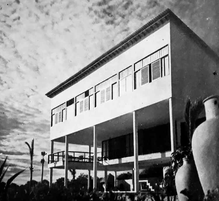 Uma das primeiras obras de Oscar Niemeyer: a Residência Herbert Johnson, © Fundação Oscar Niemeyer
