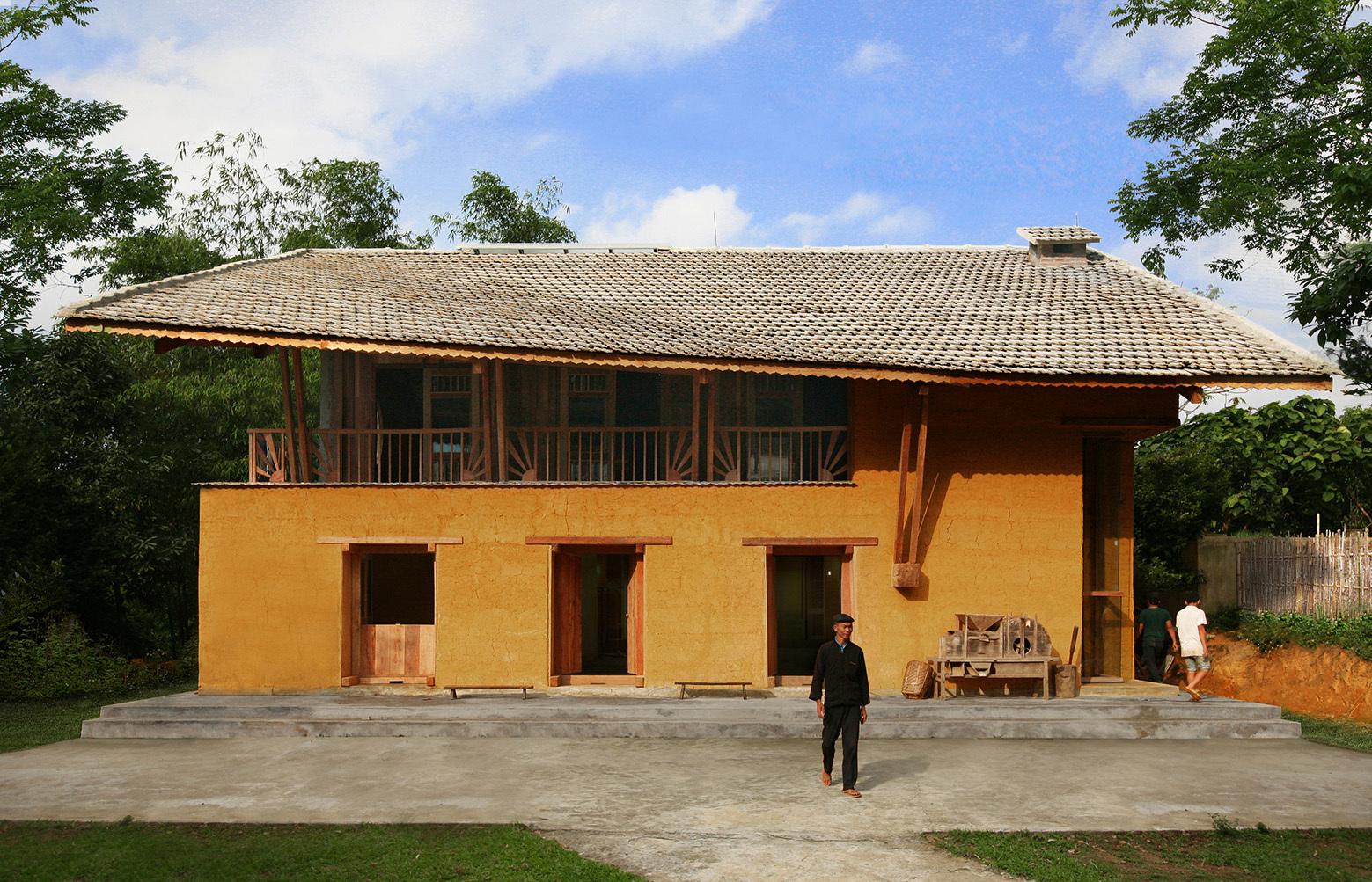 Nam Dam Homestay And Community House / 1+1>2 Architects