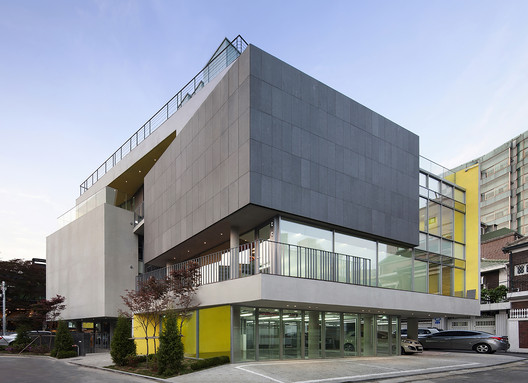 Spacumer l 39 eau design kim dong jin archdaily for Commercial building design modern construction methodology