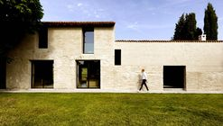 Villa Brolo Saccomani Renovation / Bricolo Falsarella