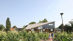 Nature & Environment Learning Centre / Bureau SLA