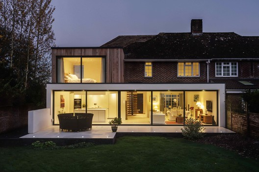 La Casa Becket / Adam Knibb Architects