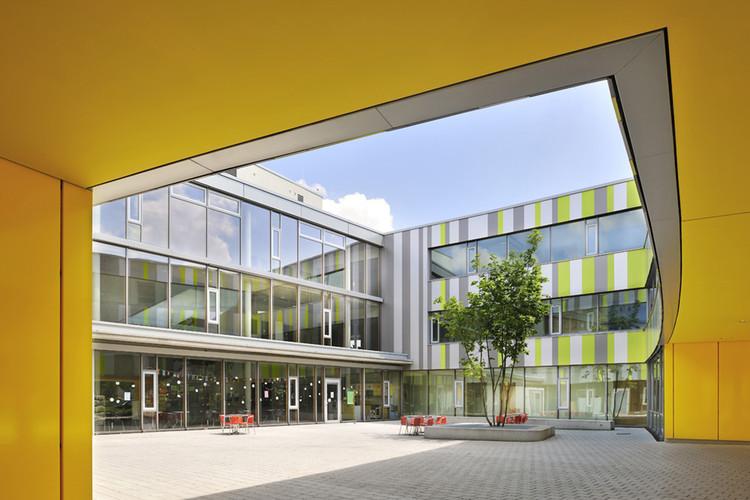 Laupheim School Extension  / Herrmann + Bosch Architekten, © Ralf-Dieter Bischoff
