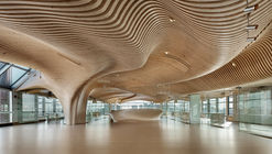 Revitalização One Main Office / dECOi Architects