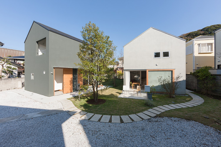 House in Kamakura Zaimokuza / Naoya Kawabe Architect & Associates, © Shinkenchiku-sha