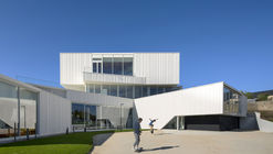 Cultural Center in Baud / Studio 02