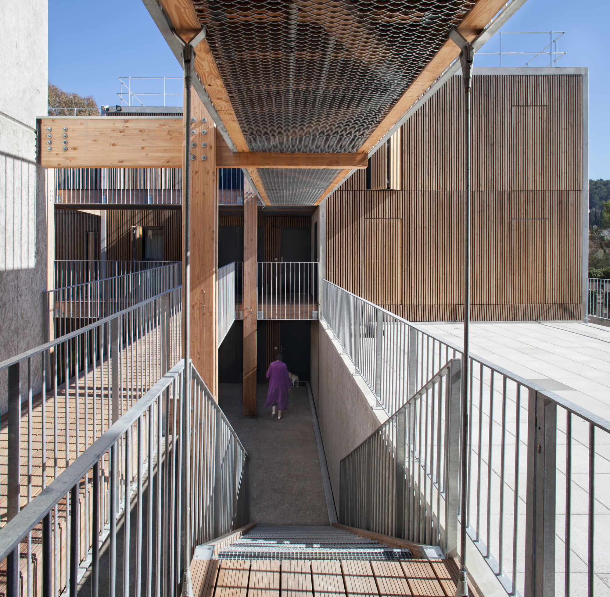 gallery of social housing shops in mouans sartoux comte et vollenweider architectes 3. Black Bedroom Furniture Sets. Home Design Ideas