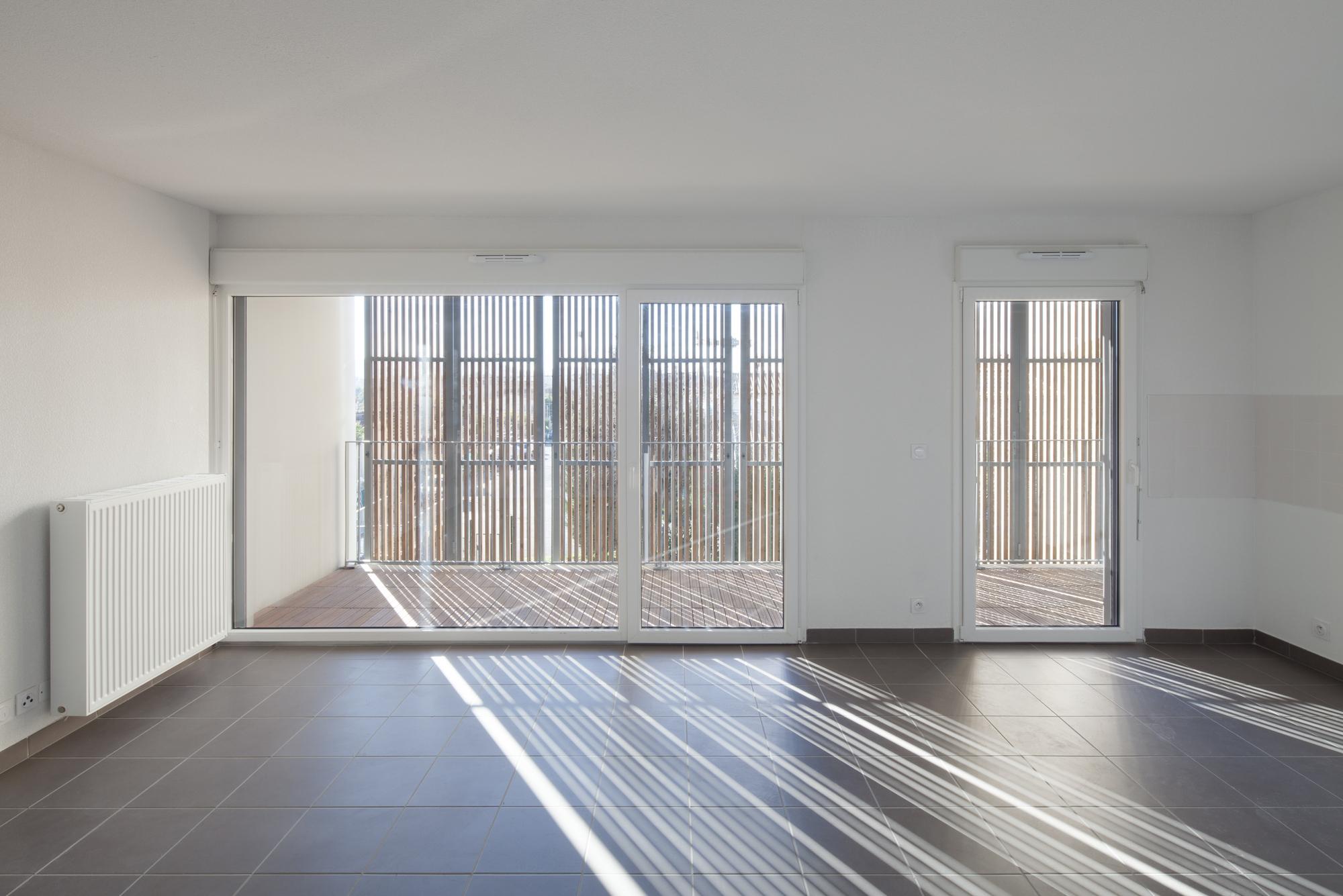 galer a de vivienda social tiendas en mouans sartoux comte et vollenweider architectes 6. Black Bedroom Furniture Sets. Home Design Ideas