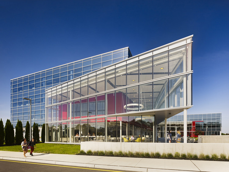 Nueva Sede de Tiendas Burlington / KSS Architects, © Halkin Mason Photography