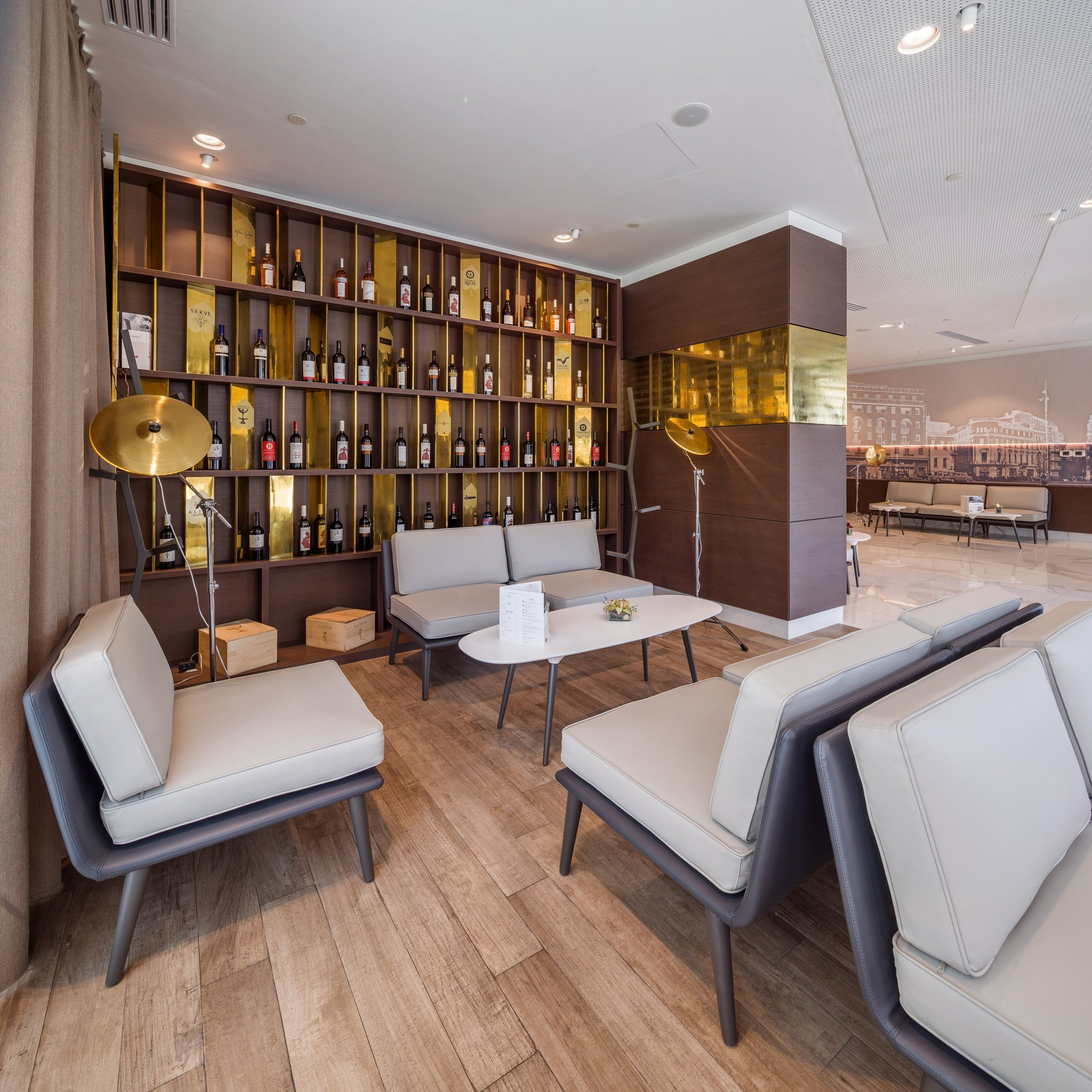 Galer a de hotel mercure en bucarest arhi group 21 for Design hotel east