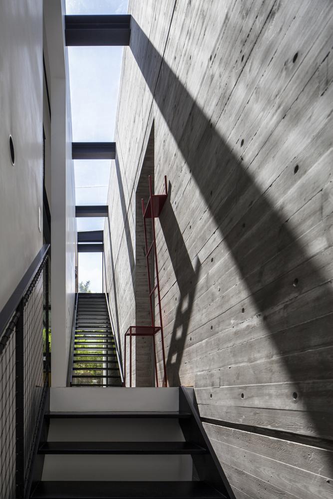 SB House Amit Geron Gallery of SB