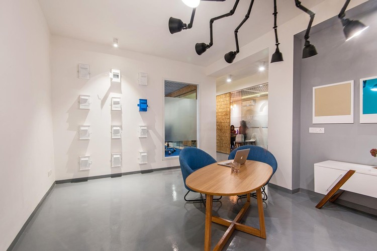 Truly Madly Office Interiors Studio Wood Archdaily