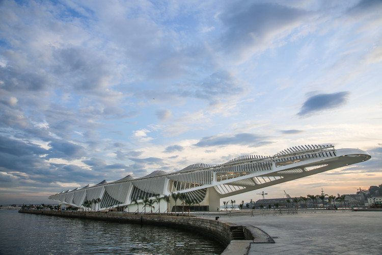 AD Interviews: Santiago Calatrava on the Museum of Tomorrow, © Bernard Lessa