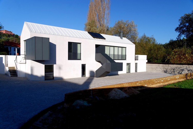 Granero Ribeira do Fontão / Manuel Damião Santos, © Manuel Damião Santos Arquitectura