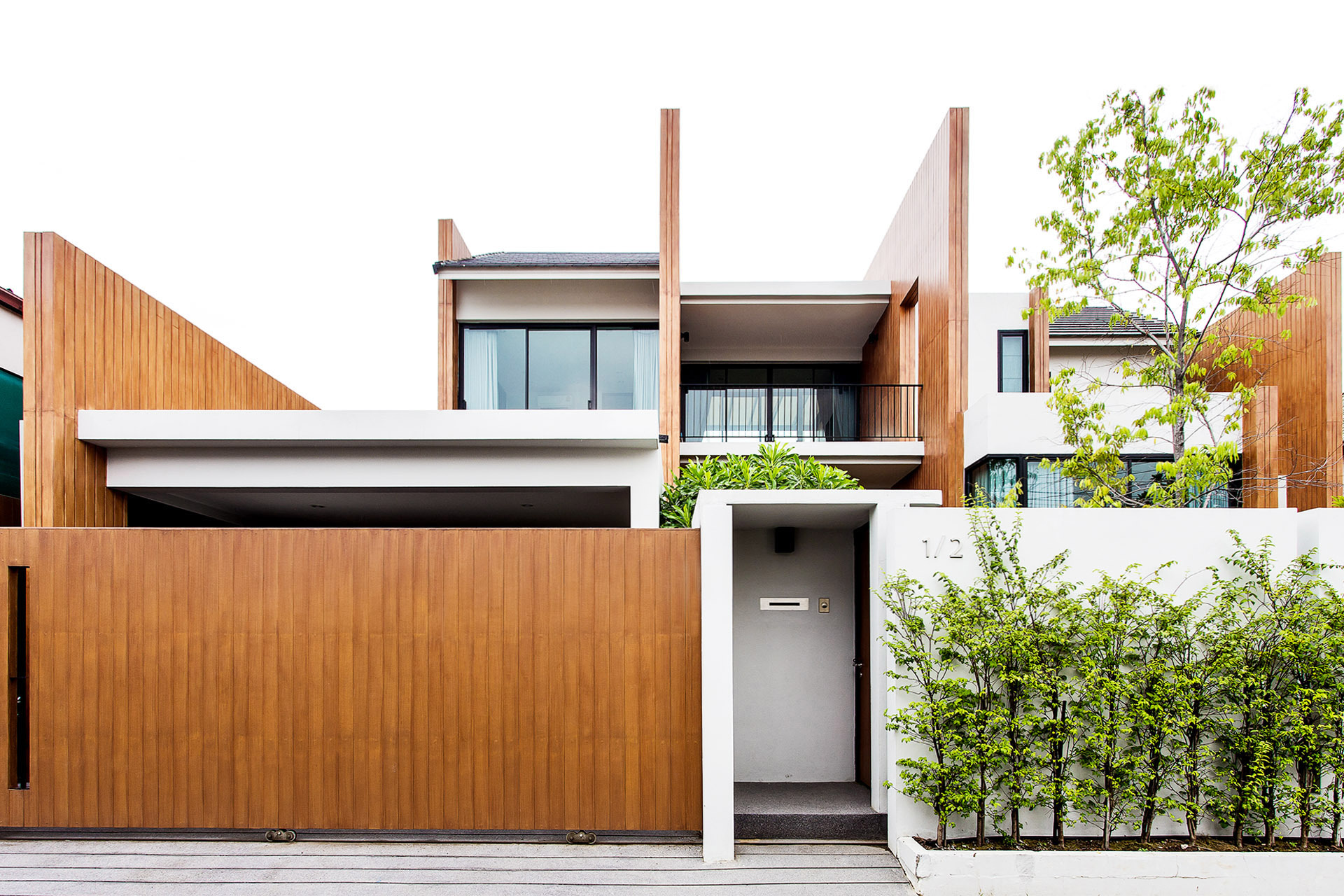 Sanambinnam House / Archimontage Design Fields Sophisticated