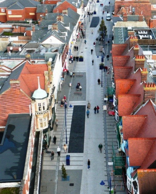 Primer manual de Calles Compartidas en español (y descargable gratis), vía Manual Calles Compartidas Dérive Lab