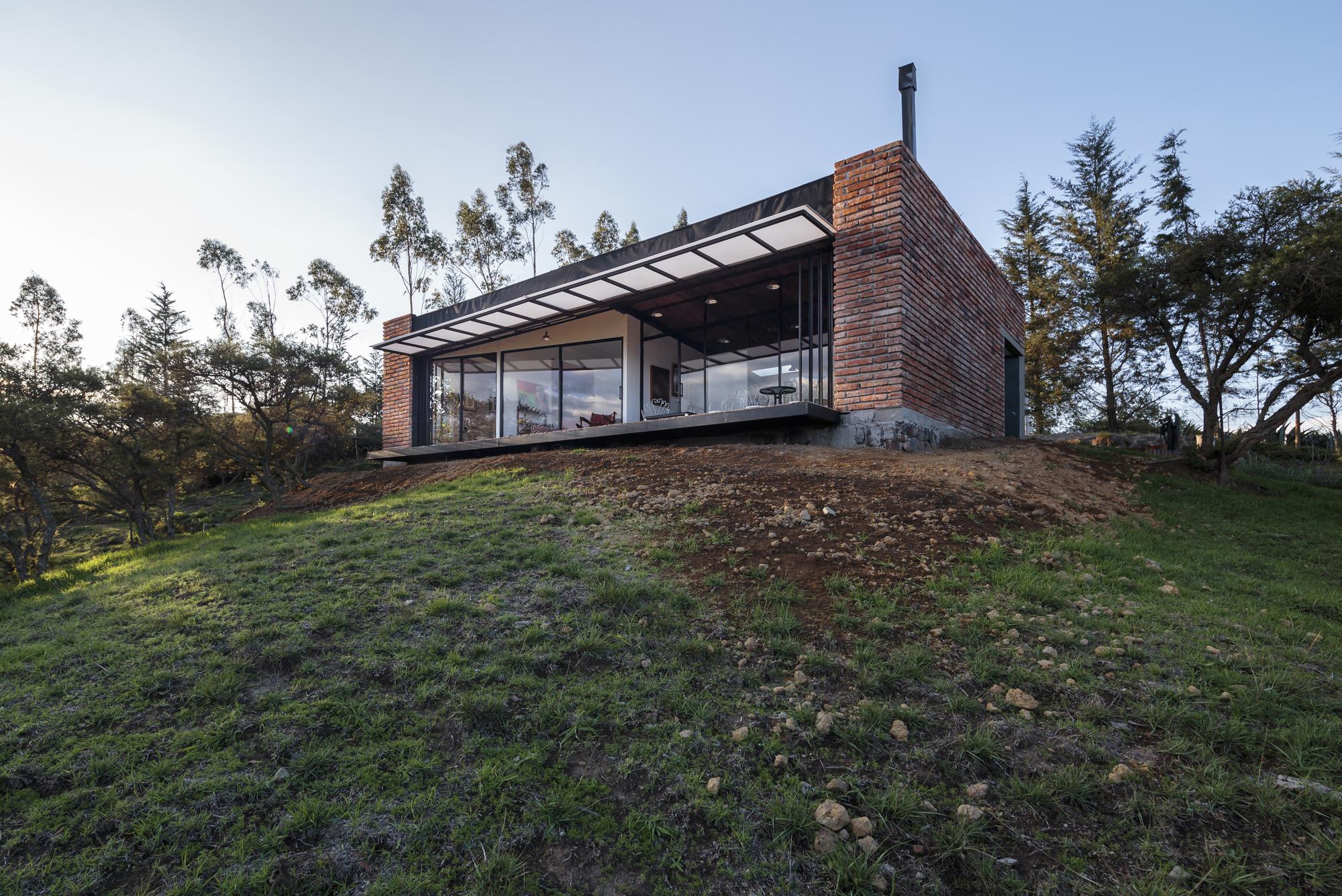 Casa El Guarango / Bernardo Bustamante