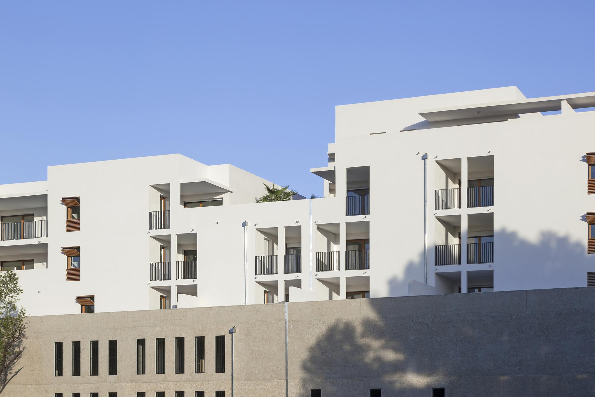 Galer a de 58 viviendas sociales en antibes atelier - Viviendas en torrejon de ardoz ...
