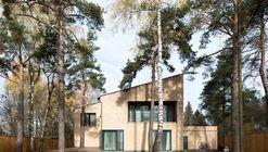 Villa Rastorguyevo / Gikalo Kuptsov Architects