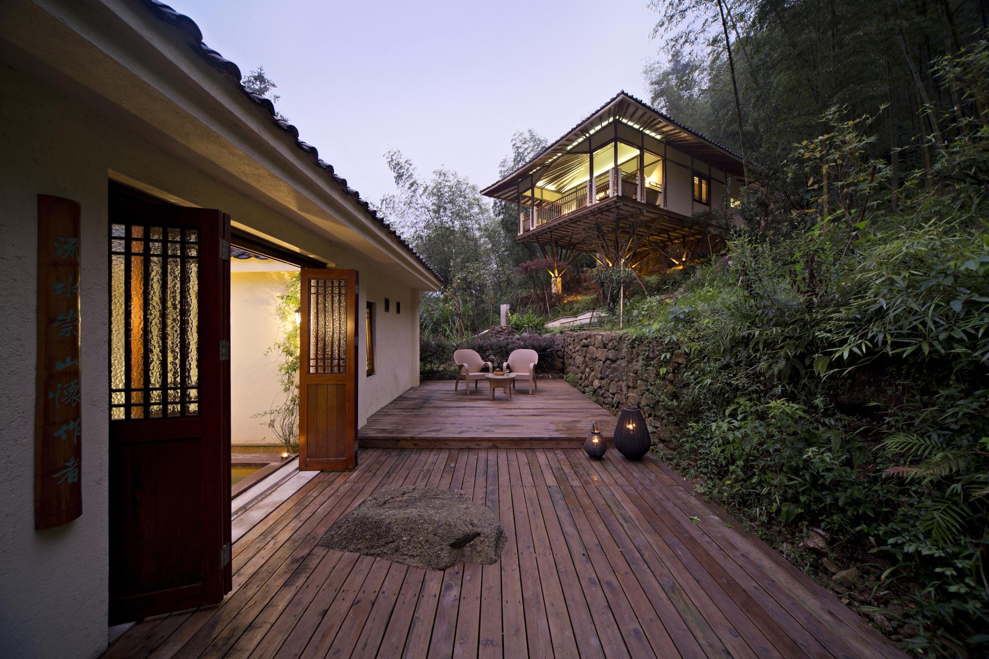 Bamboo Villa: Live in the Nature / C&C DESIGN