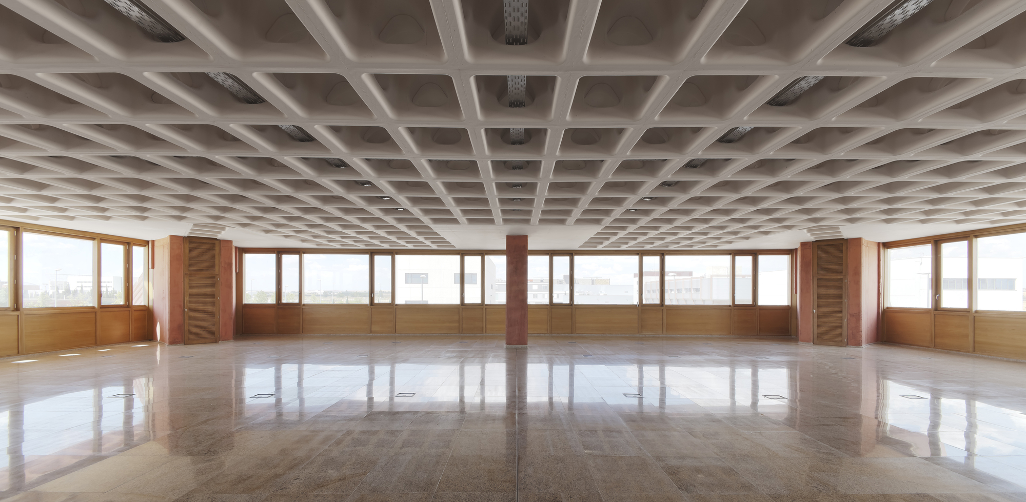 Este innovador sistema de losa usa 55% menos de concreto que uno tradicional