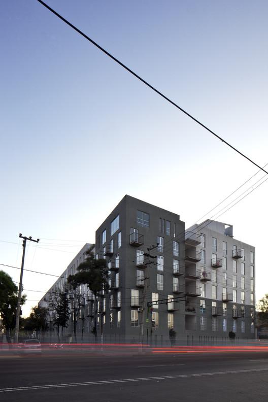 Urbanismo asequible en la Ciudad de México: IntegrARA Lázaro Cárdenas de a | 911, © Onnis Luque